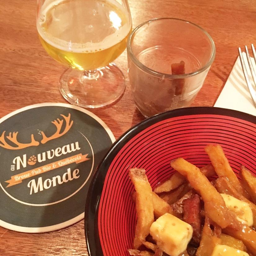 broue-pub-bar-brasserie-biere-quebec-quebecois-bordeaux-poutine-artisanal-bio-ambiance-verre-nouveau-monde (8)