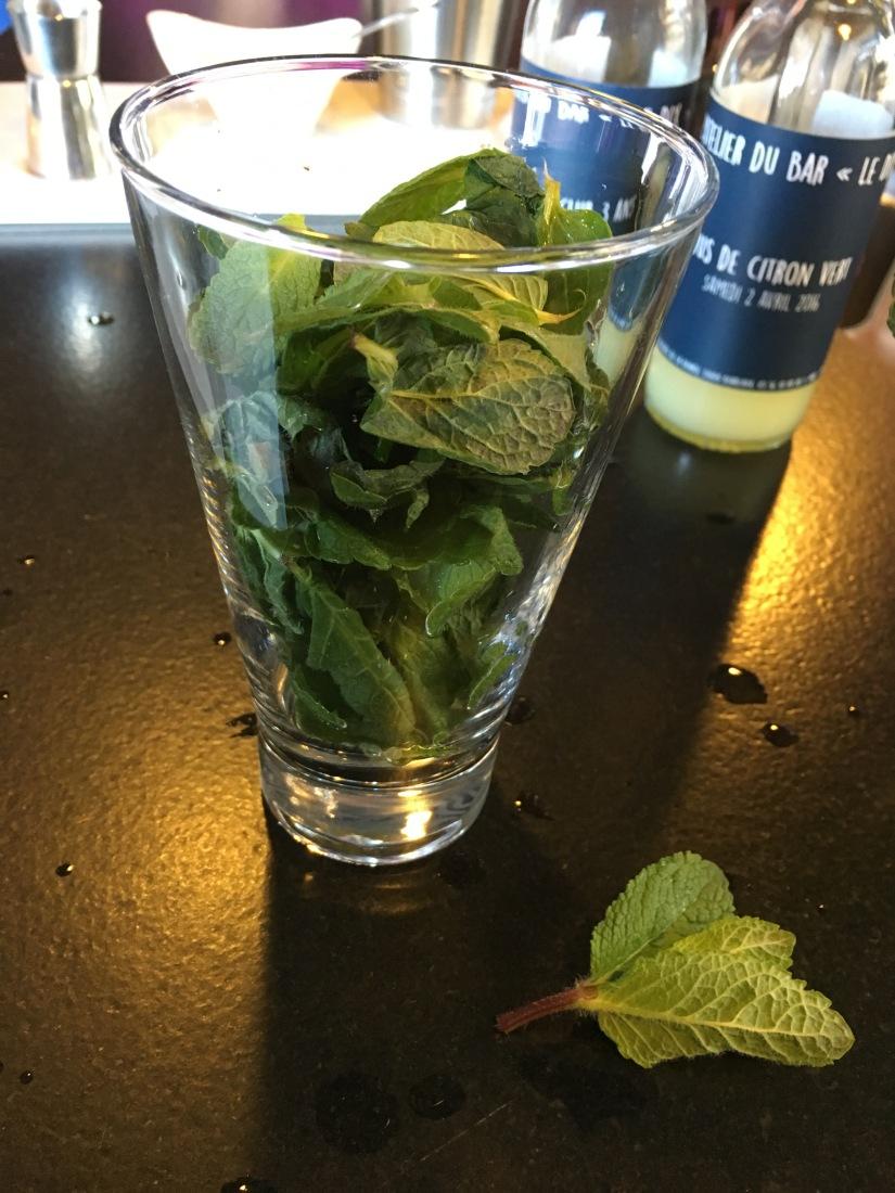 place-bourse-bordeaux-miroir-eau-restaurant-bistro-gastronomique-bar-dix-cocktail-le-gabriel-legabriel-atelier-decouverte-rhum-champagne-mojito-daiquiri-idee (18)