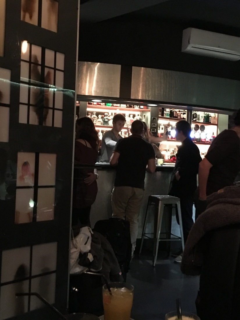 quartier-libre-bar-restaurant-musique-live-groupe-jazz-cuisine-cocktail-biere-billard-bordeaux-capucins-marché-frais-produits (2)
