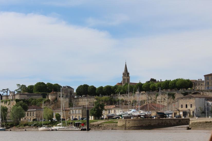 chateau-reignac-oenotourisme-gironde-bordeaux-vin-wine-chai-degustation-tonneau-tonnellerie-fabrication-decouverte-visite-bateau-garonne-fleuve-verre-rouge-blanc (30)