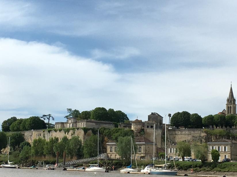 chateau-reignac-oenotourisme-gironde-bordeaux-vin-wine-chai-degustation-tonneau-tonnellerie-fabrication-decouverte-visite-bateau-garonne-fleuve-verre-rouge-blanc (54)