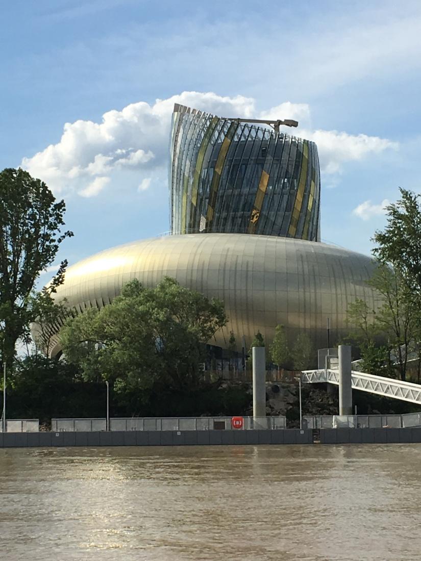 chateau-reignac-oenotourisme-gironde-bordeaux-vin-wine-chai-degustation-tonneau-tonnellerie-fabrication-decouverte-visite-bateau-garonne-fleuve-verre-rouge-blanc (57)