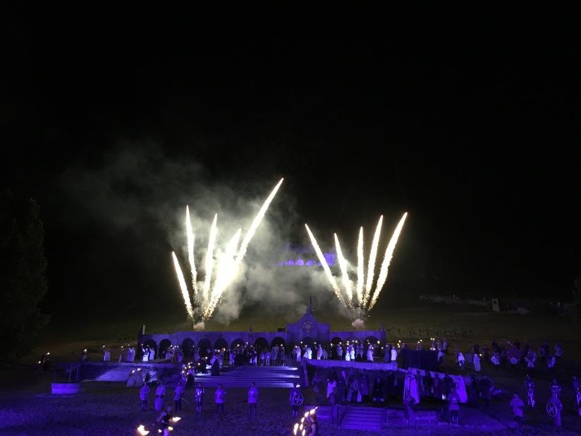 castillon-bataille-cotes-bordeaux-vins-degustation-sepectacle-show-figurants-benevoles-animations-nouveau-famille-ete-vacances-sorties-gironde-tourisme-patrimoine-histoire-alienor-aquitain (29)