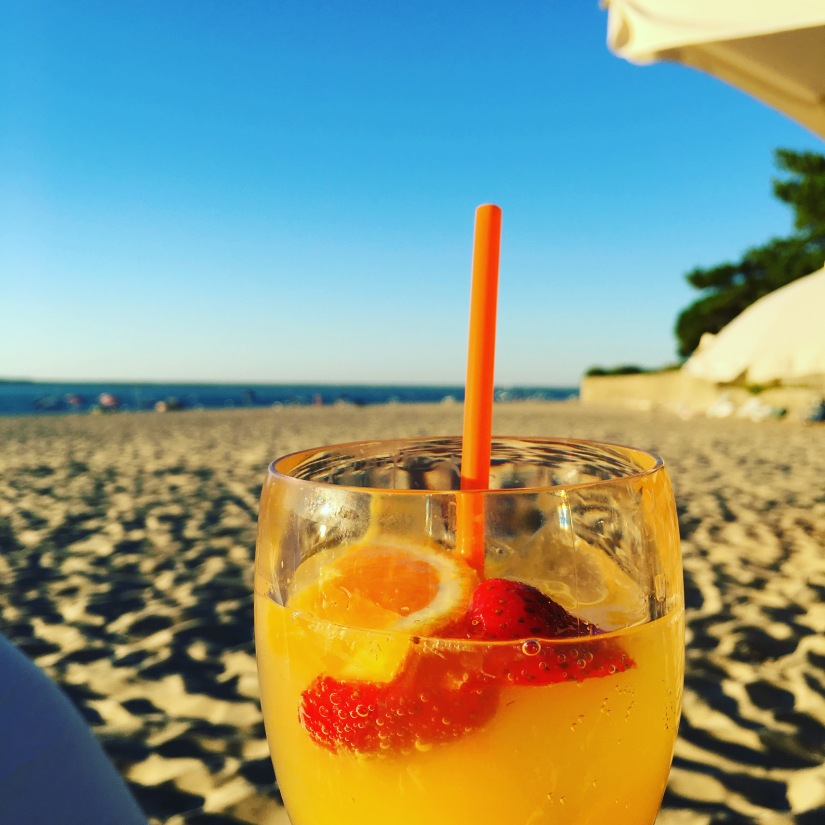 plage-pereire-club-cabane-paillotte-arcachon-cap-ferret-gironde-apéro-plancha-tapas-coucher-soleil-detente-sangria-blanche (12)