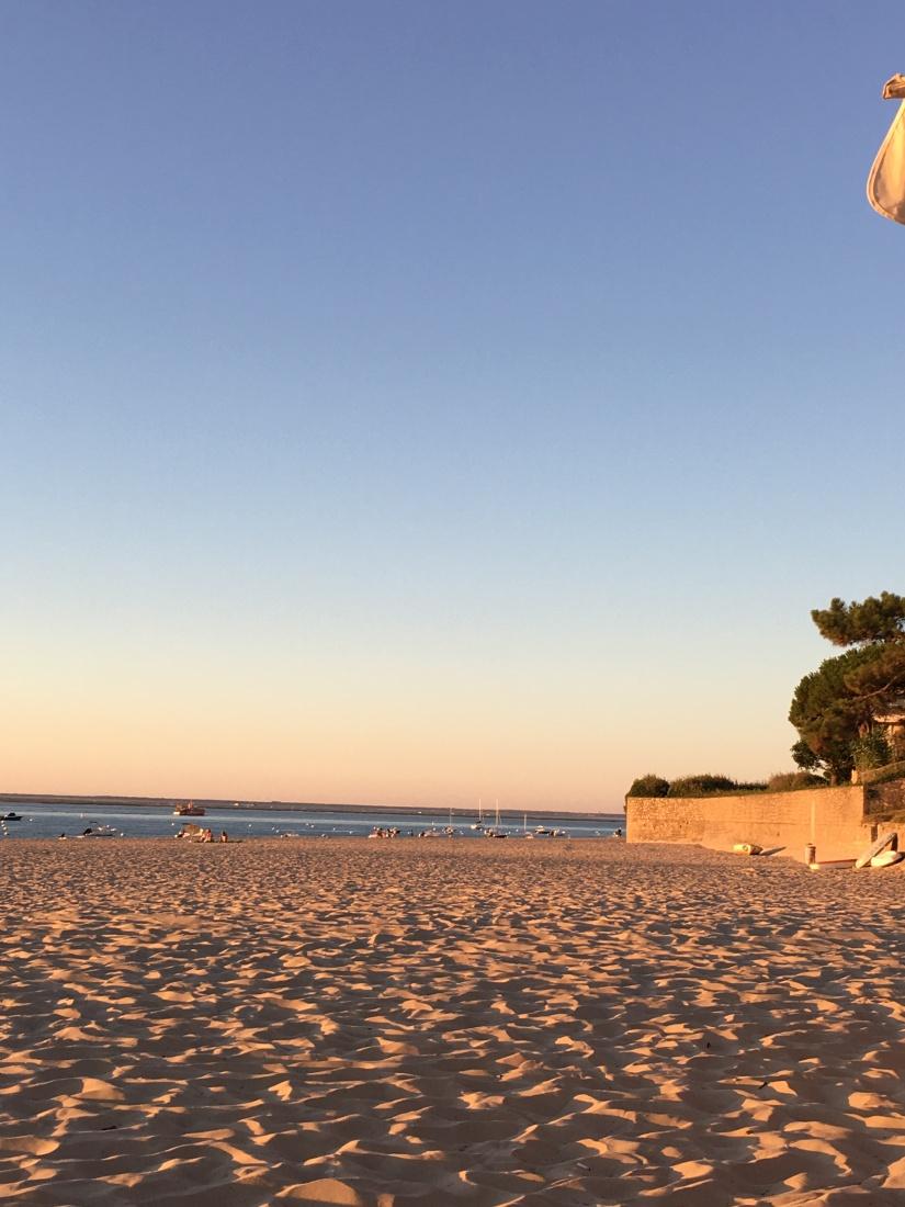 plage-pereire-club-cabane-paillotte-arcachon-cap-ferret-gironde-apéro-plancha-tapas-coucher-soleil-detente-sangria-blanche (13)
