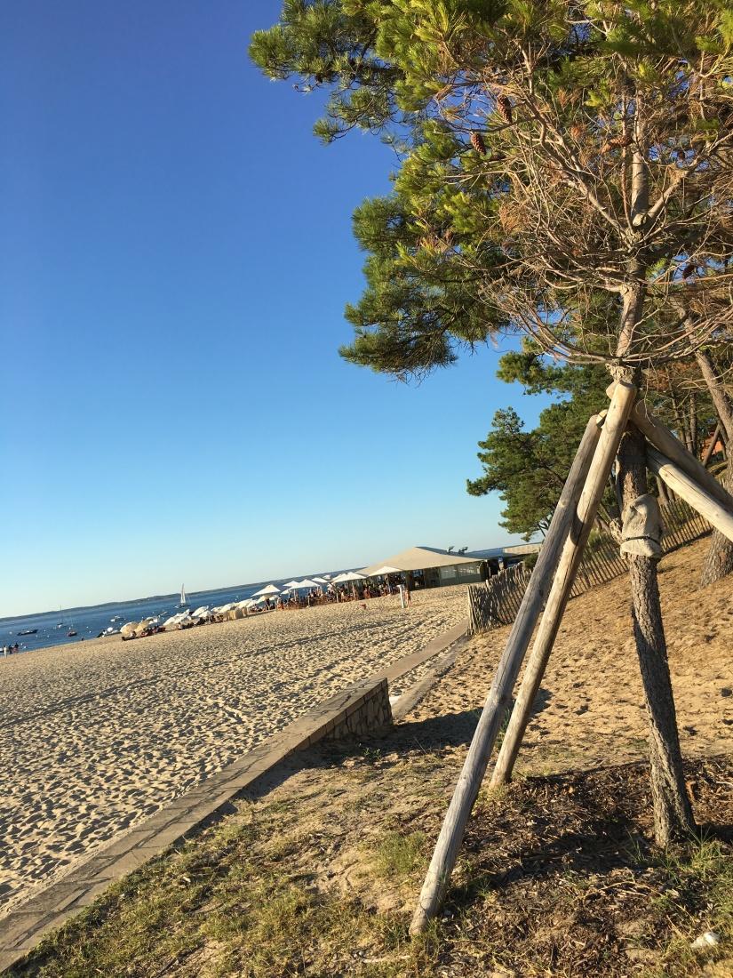 plage-pereire-club-cabane-paillotte-arcachon-cap-ferret-gironde-apéro-plancha-tapas-coucher-soleil-detente-sangria-blanche (2)