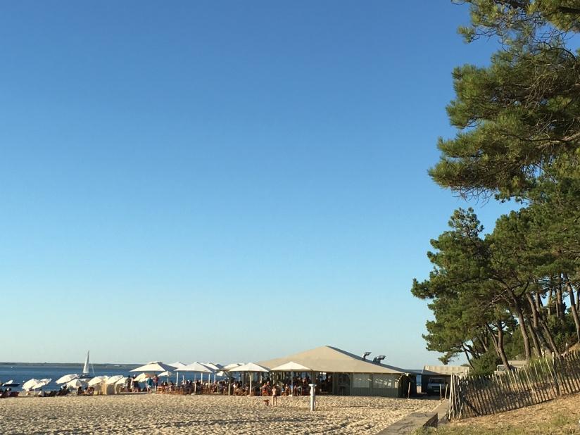 plage-pereire-club-cabane-paillotte-arcachon-cap-ferret-gironde-apéro-plancha-tapas-coucher-soleil-detente-sangria-blanche (3)
