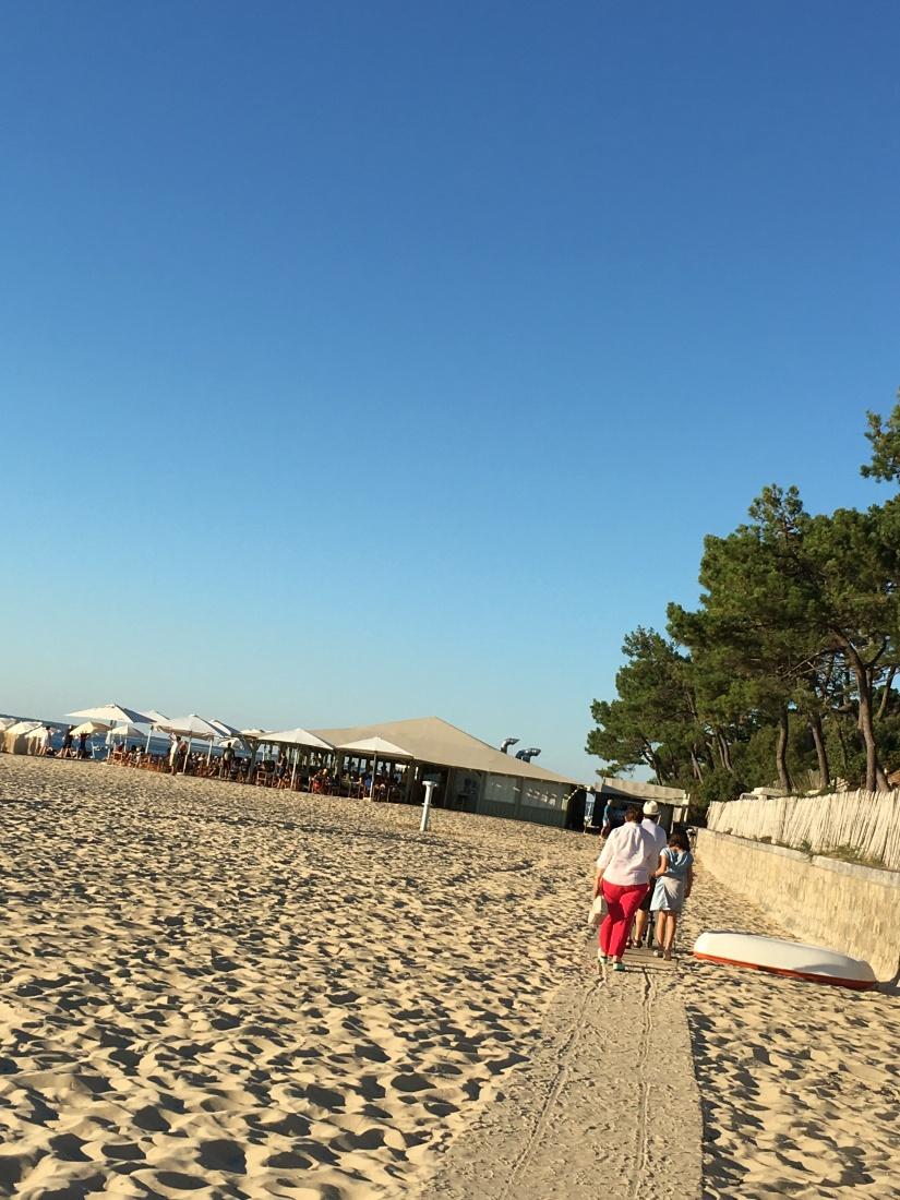 plage-pereire-club-cabane-paillotte-arcachon-cap-ferret-gironde-apéro-plancha-tapas-coucher-soleil-detente-sangria-blanche (5)