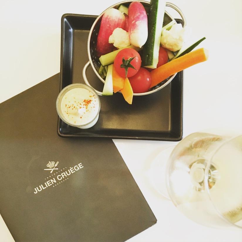 restaurant-julien-cruege-bordeaux-restauration-cuisine-chef-cook-gastronomie-mets-vin-deco-simplicité-authenticite-bonnes-adresses-decouverte (1)