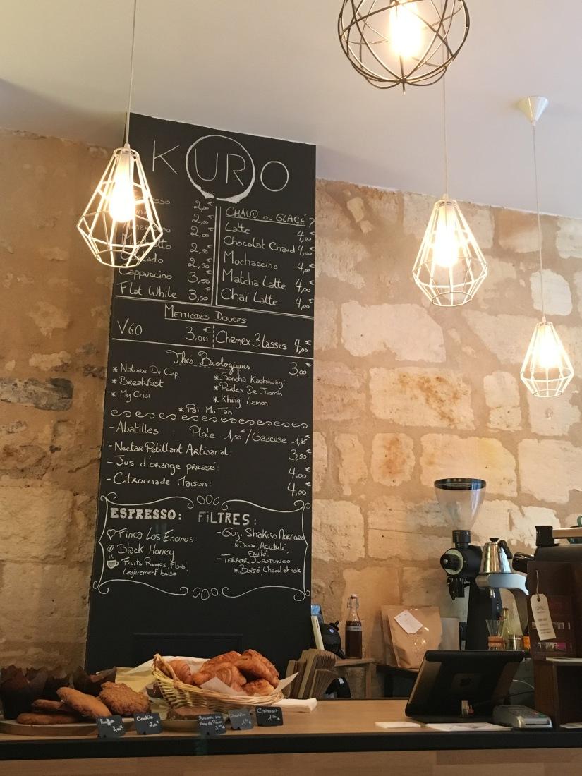 kuro-espresso-bar-bordeaux-muffin-chai-tea-latte-citrouille-cosy-wifi-work-gourmand-pause-gouter-petit-dejeuner-fait-maison-pteapotes-2