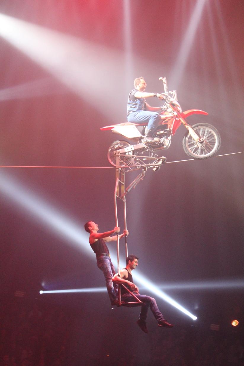 cirque-arlette-gruss-show-spectacle-bordeaux-chapiteau-quinconces-pteapotes-48