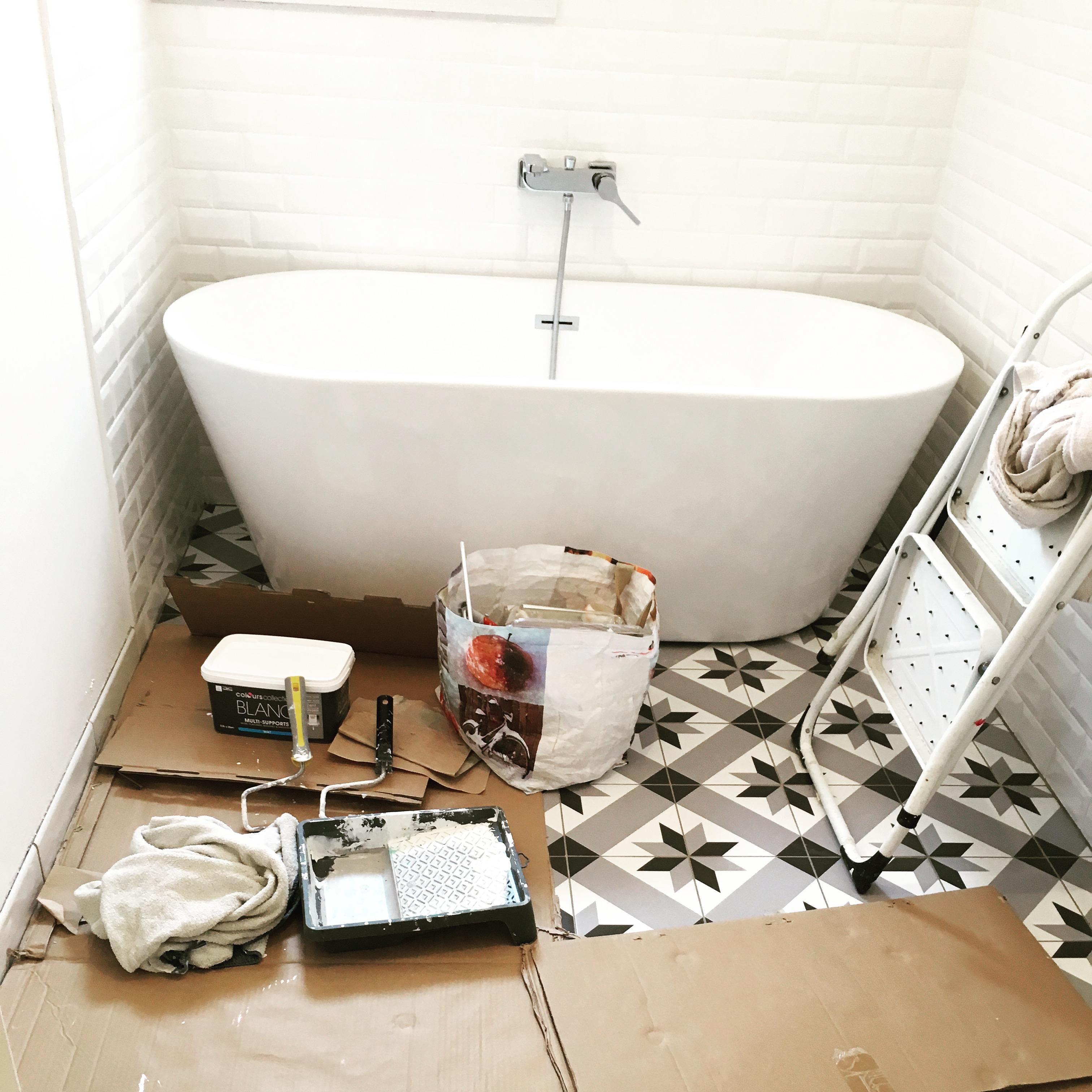 Deco Carreaux De Ciment Salle De Bain rendez-vous déco : la rénovation de la salle de bain avant